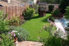 Hagyományos értékek egy modern kertben